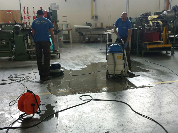 Pulizia pavimenti industriali reggio emilia parma - Pulizia pavimenti esterni ...